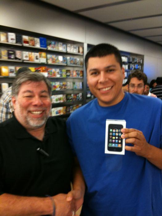 Steve Wozniak kauft sich ein iPhone 3GS