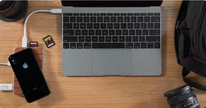 Mit dem Chocolate Hub 2 das MacBook Port Problem lösen und gleichzeitig das iPhone X kabellos laden